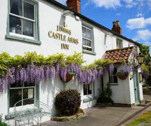 Castle Arms Inn